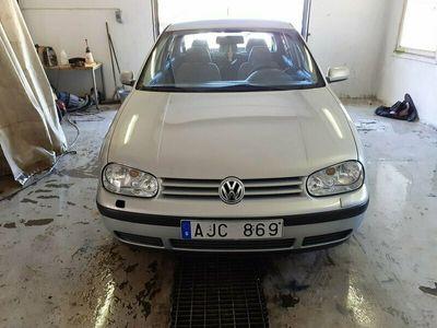 begagnad VW Golf 5-dörrar 1.6 Ny besiktad till 22-09-01