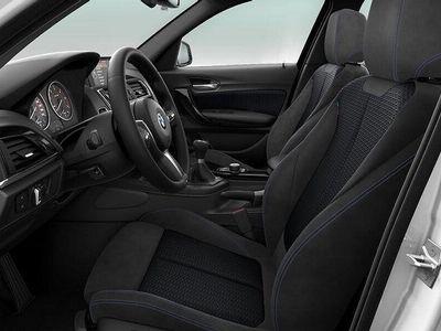 begagnad BMW 118 d xDrive M Sport HiFi Eluppvärmd Ratt