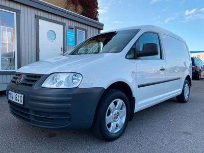 begagnad VW Caddy Maxi TDI /Drag /LÅGMIL /Moms