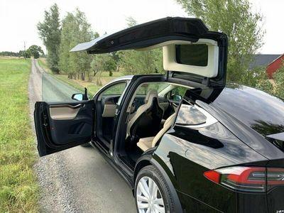 begagnad Tesla Model X MOTORS