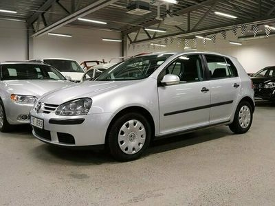 begagnad VW Golf 5-dörrar 1.6 FSI Automat LÅGMIL