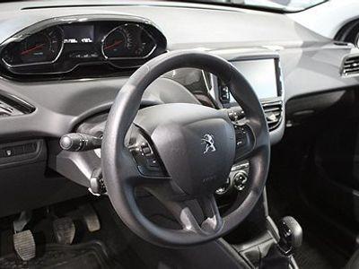 begagnad Peugeot 208 Active 1,2 VTi 5D - DRAGKROK