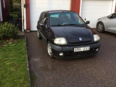 used Renault Clio -01