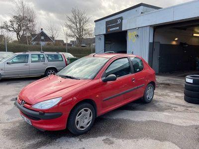 begagnad Peugeot 206 Nybesiktigad | 1,4 liters lågmil