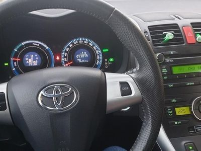 begagnad Toyota Auris Hybrid 1.8 VVT-i