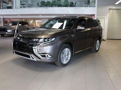 begagnad Mitsubishi Outlander P-HEV 2.4 Laddhybrid 4WD Business X