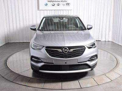 begagnad Opel Grandland X Innovation PHEV AWD 300 hk