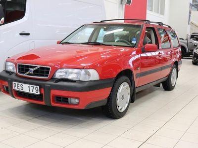 begagnad Volvo V70 XC 2.5T AWD