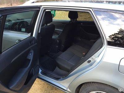begagnad Toyota Avensis 2.2 D4D, Kombi med drag(177hk) -07
