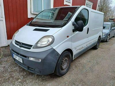 begagnad Opel Vivaro SKÅP 2.5CDTI