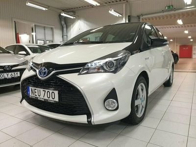 begagnad Toyota Yaris 1,5 Hybrid Style Bi-tone / Vinterhjul