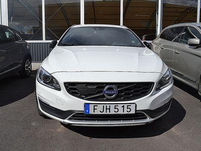 begagnad Volvo V60 CC D4 AWD Momentum BE