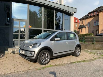 begagnad VW up! Cross 1.0 Drive