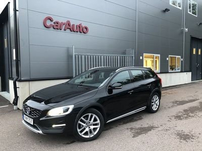 begagnad Volvo V60 CC D4 AWD Geartronic Sum -17