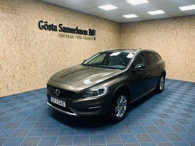 begagnad Volvo V60 CC D4 AWD Summum Business