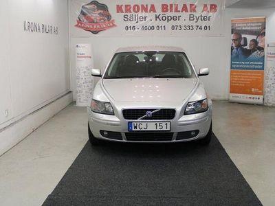 begagnad Volvo S40 2.4 NYBESK, NYKAMREM, NYSERVAD, 140 -04