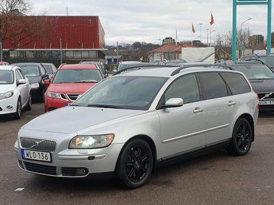 begagnad Volvo V50 T5 AWD Momentum 220hk S-SÅLD NYSERVAD XENON