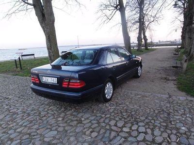 begagnad Mercedes E200 Skatt/Besikt lågmil 136hk