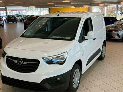 begagnad Opel Combo Combo Life ComboBusiness L1H1 D100 Drag värmare 2021, Minibuss Pris 212 375 kr