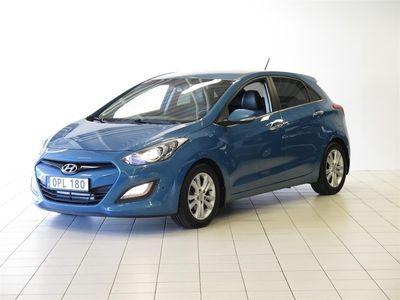 begagnad Hyundai i30 CRDI 110hk Premium / Backkamera / Elstol