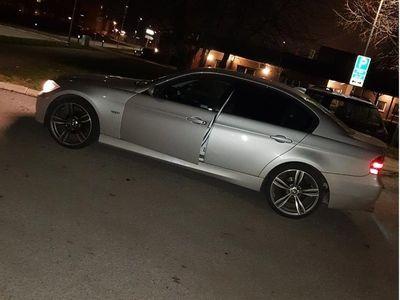 begagnad BMW 320 i Advantage