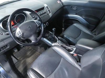 begagnad Peugeot 4007 2,2 HDI 4wd,Drag,Läder,7-sits,156hk Kombi