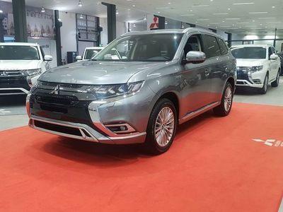 begagnad Mitsubishi Outlander PHEVKomfort 2020 årsmodell 2.4
