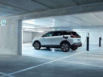 begagnad Peugeot 3008 Hybrid Plug-in 225hk Allure Auto