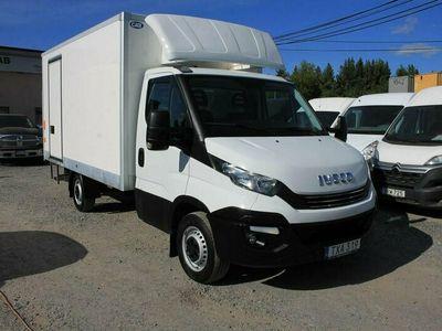 begagnad Iveco Daily Chassis JTD Hi-Matic Bg-Lyft 5000mil*