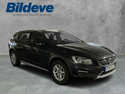 begagnad Volvo V60 CC T5 Business 2017, Kombi Pris 244 900 kr