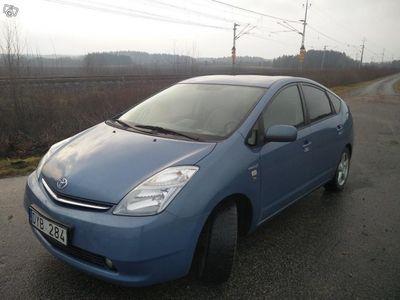 begagnad Toyota Prius med låg skatt och bränslesnål -07