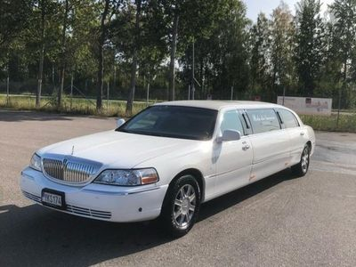 begagnad Lincoln Town Car LIMO,