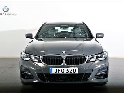 begagnad BMW 330 i xDrive Touring / M-Sport / Connected / DRAG