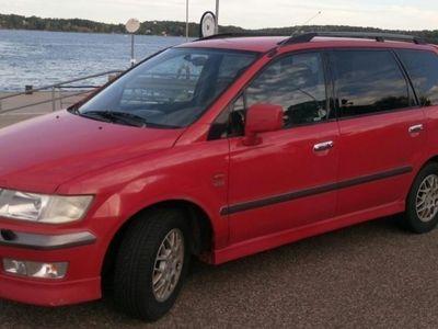 begagnad Mitsubishi Space Wagon 2,4L GDI -00