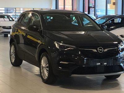 begagnad Opel Grandland X Dynamic 130hk Automat