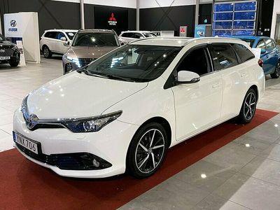begagnad Toyota Auris 1.8 Hybrid Intense Edition CVT Automat
