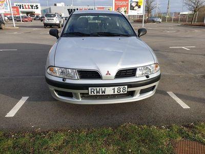 begagnad Mitsubishi Carisma Halvkombi 1.8