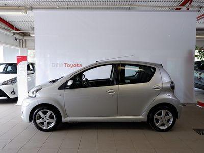 begagnad Toyota Aygo 1.0 + 5-D   3 ÅRS GARANTI