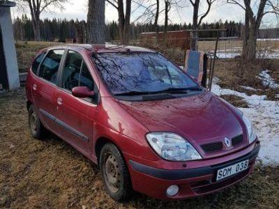 begagnad Renault Mégane Scenic-01