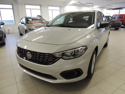 begagnad Fiat Tipo 5D 1,6 E-Torq 110 hk AT6 Pop