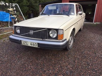 begagnad Volvo 240 1976