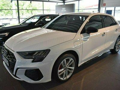 begagnad Audi A3 Sportback 45 TFSI e 245 HK S-TRONIC S-LINE