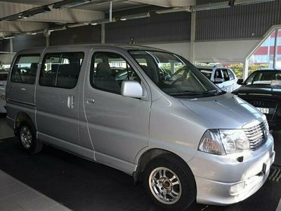 begagnad Toyota HiAce 2.5 D-4D 8-Sits 2008, Transportbil 89 900 kr