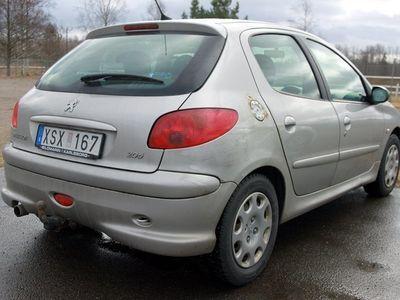 begagnad Peugeot 206 1,4 5D - DRAG / S+VHJUL -06