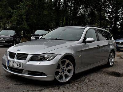 begagnad BMW 330 i Touring Automat PANORAMA GPS 258HK