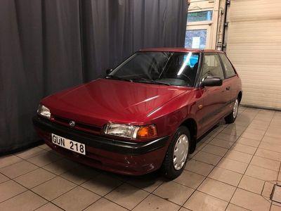 begagnad Mazda 323 3-dörrars Halvkombi 1.3 73hk Lågmil