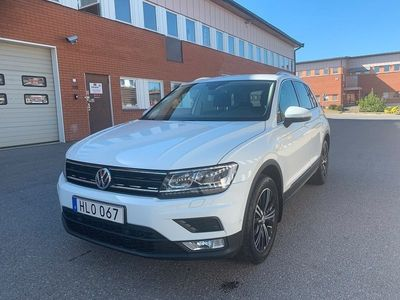begagnad VW Tiguan 1.4 TSI 150hk 4M DSG Executive Euro 6