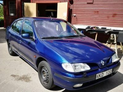 begagnad Renault Mégane 2.0 bes&skatt -98
