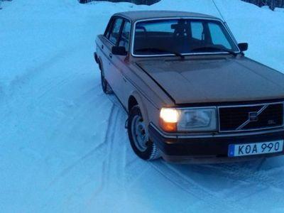 usado Volvo 240 -81