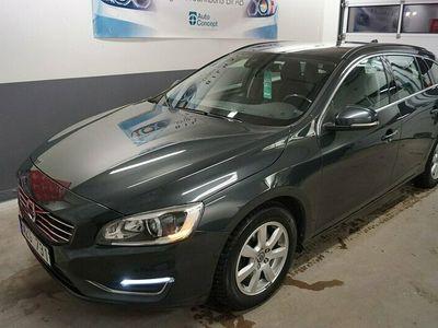 begagnad Volvo V60 D4 163 HK AUT MOMENTUM DYNAMIC EDITION 7500 MIL